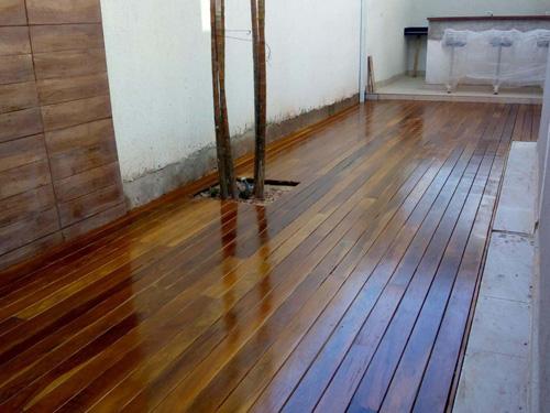 Assoalho de madeira a venda